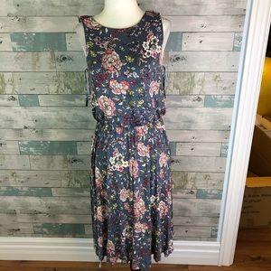 LOFT dress fits 6-8